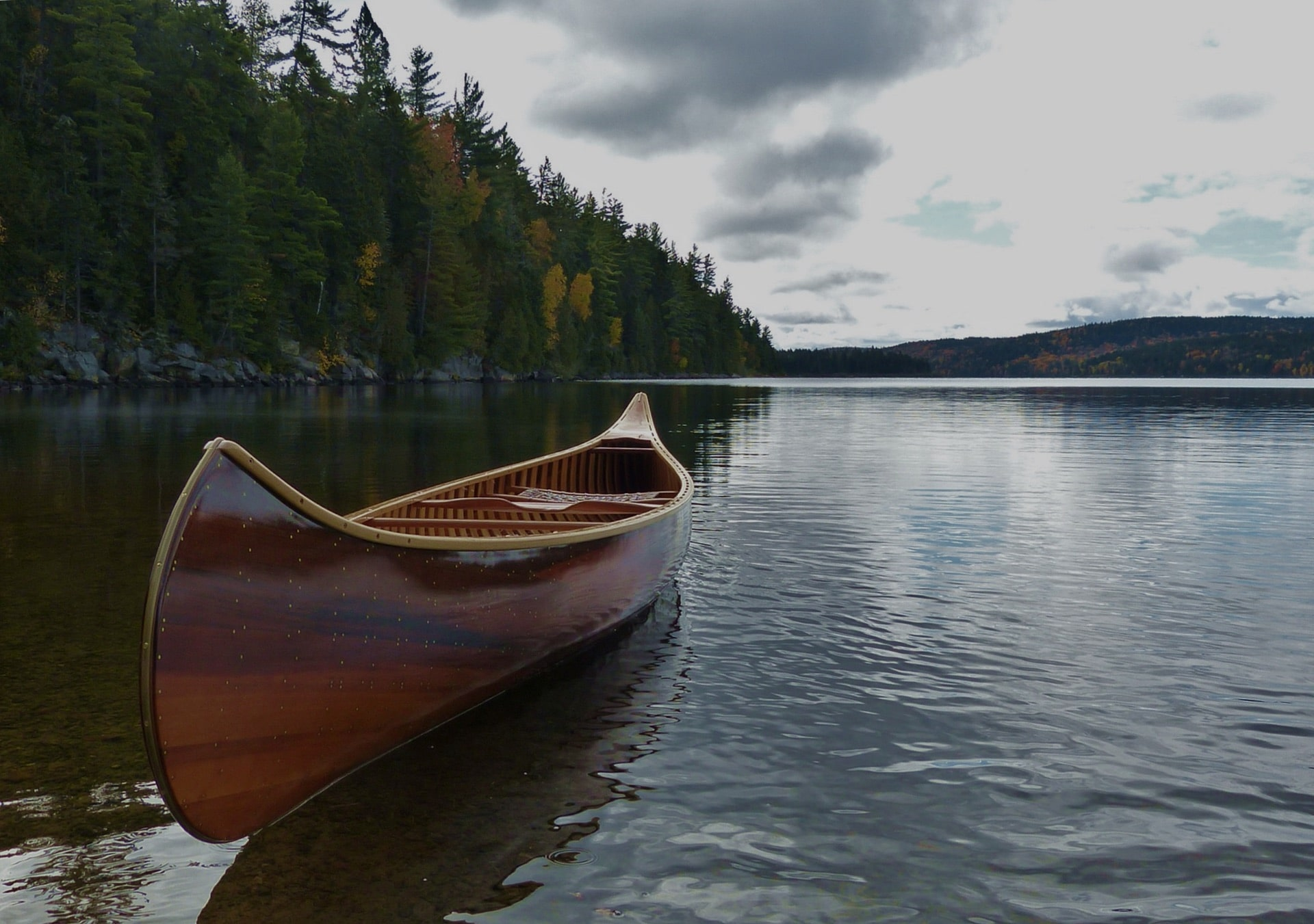 Rheaume Canoes Traditional Cedar And Ultra Light Kevlar And Carbon Canoes